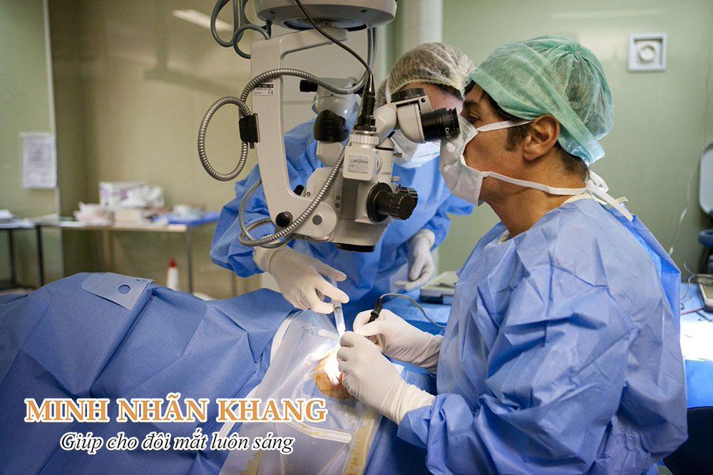 Phẫu thuật là phương pháp trị thiên đầu thống góc đóng rất phổ biến